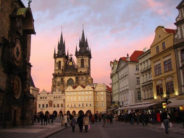 Πράγα – Σύγχρονη «παραμυθούπολη» : Ταξίδι